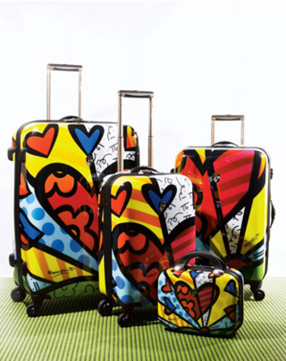 Britto-Heart-Luggage