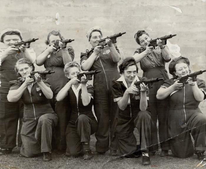 1943 photo: eight war-working grandmothers with Sten guns