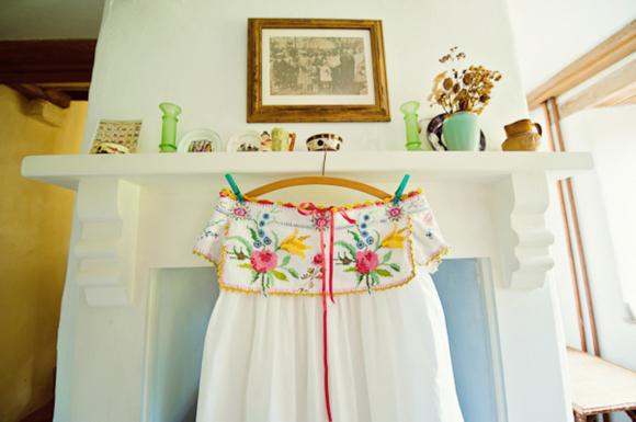 Um vestido de noiva feito de toalhas de mesa, de Cardiff e fotgrafo do casamento South Wales, Aga Tomaszek