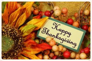 Happy-thanksgiving-written-on-card-flower