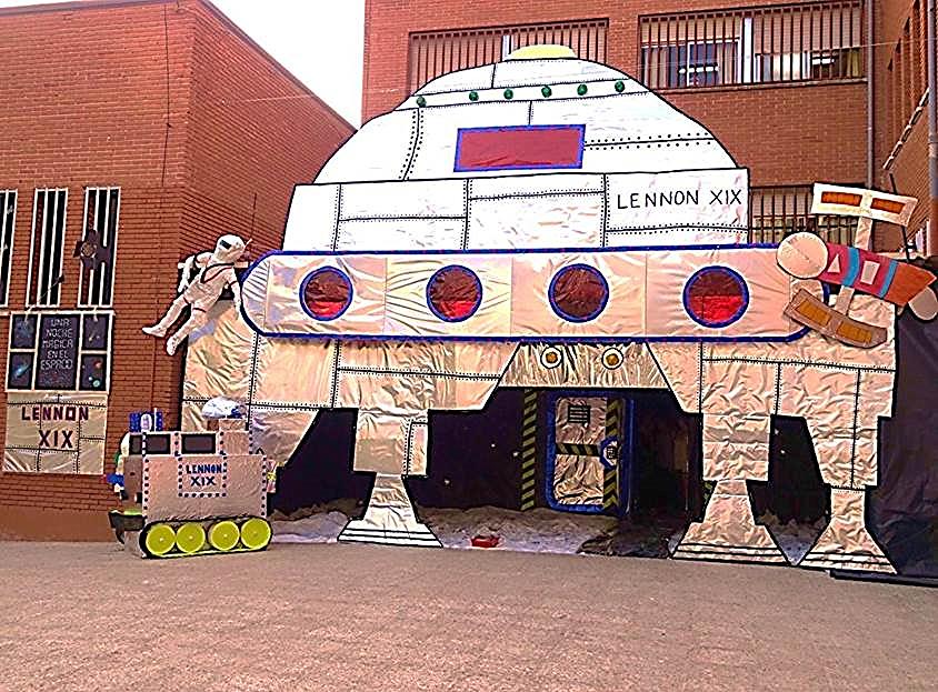 La entrada al colegio en la edición de 'Una Noche Mágica' en el 2014
