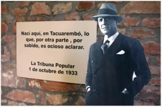 Figurín de Gardel en el Museo de Tacuarembó.