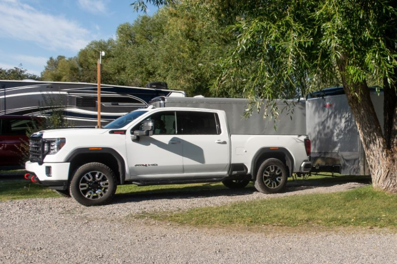 2020 GMC Sierra 2500 AT4 With Trailer