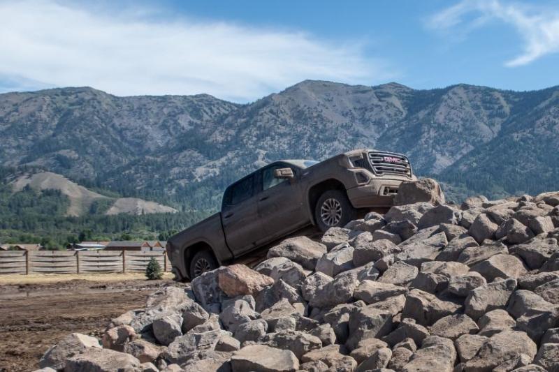 2020 GMC Sierra 1500 AT4 Duramax Rock Climbing
