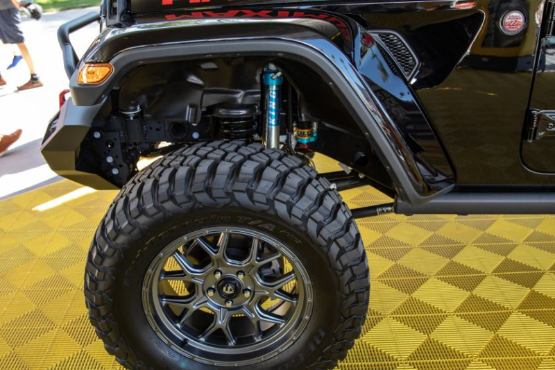 Jeep Gladiator Hennessey Maximus 1000 Tires, 6-Inch Lift