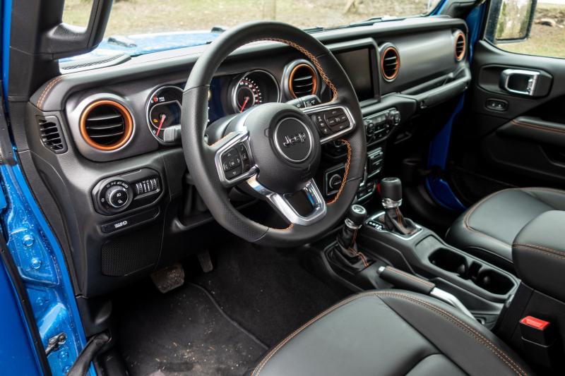 2020 Jeep Gladiator Mojave Leather Interior