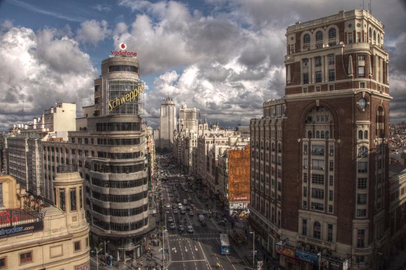 1280px-Gran_Vía_(Madrid)_1
