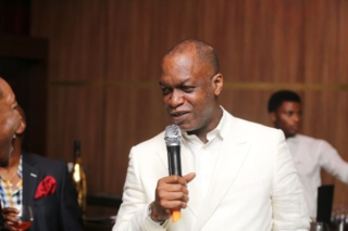 Remy-Martin-Pacesetters-Party-Grandmaster-Edition-with-Chris-Ubosi-Richard-Mofe-Damijo-BellaNaija-December2013035-600x400